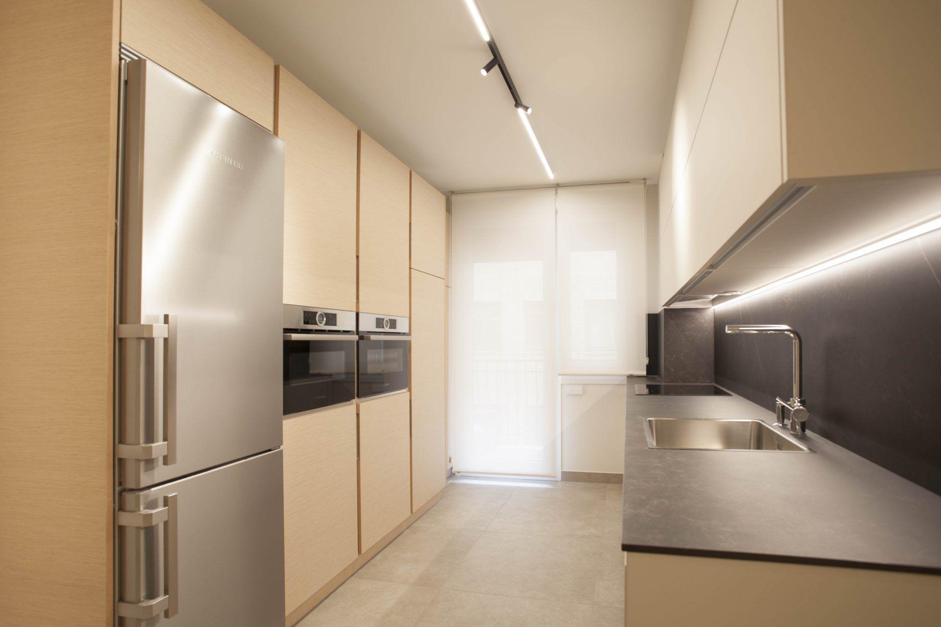 Iluminación reforma integral vivienda lujo interiorismo diseño | Perspectiva MomaMoma